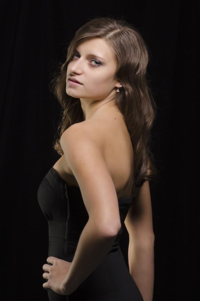 Anya Super Model