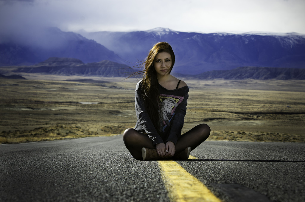 Belen Sittin in the road